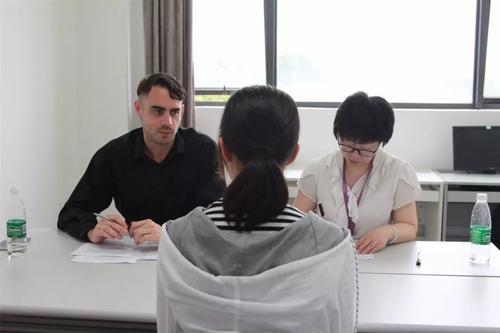 KET口语考试常见话题与应对技巧是什么?